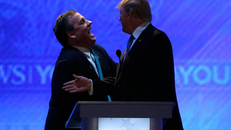 Christie endorses Trump after contentious debate image