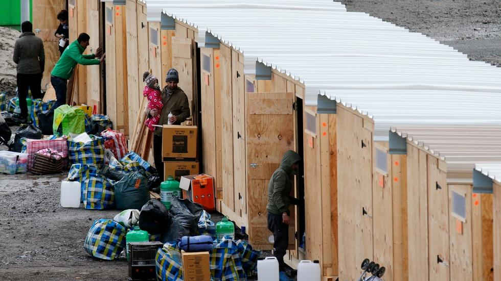 Can security forces screen refugees arriving in Europe? image