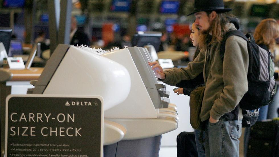 Congress considers cracking down on 'soaring' airline fees image