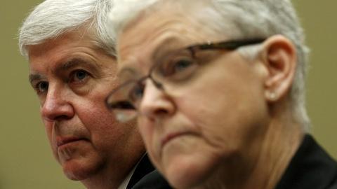 PBS NewsHour -- Congress grills MI governor, EPA over Flint water crisis