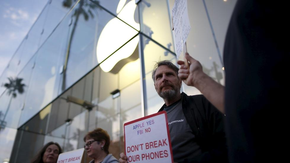 FBI cracks the locked iPhone, but legal questions remain image