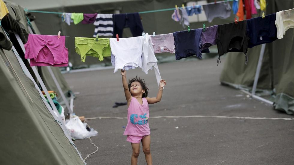 The cost of rebuilding after massive Ecuador quake image