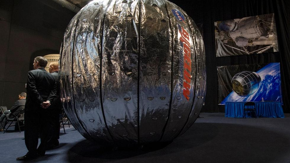 Beam me up — NASA experiments with inflatable modules image