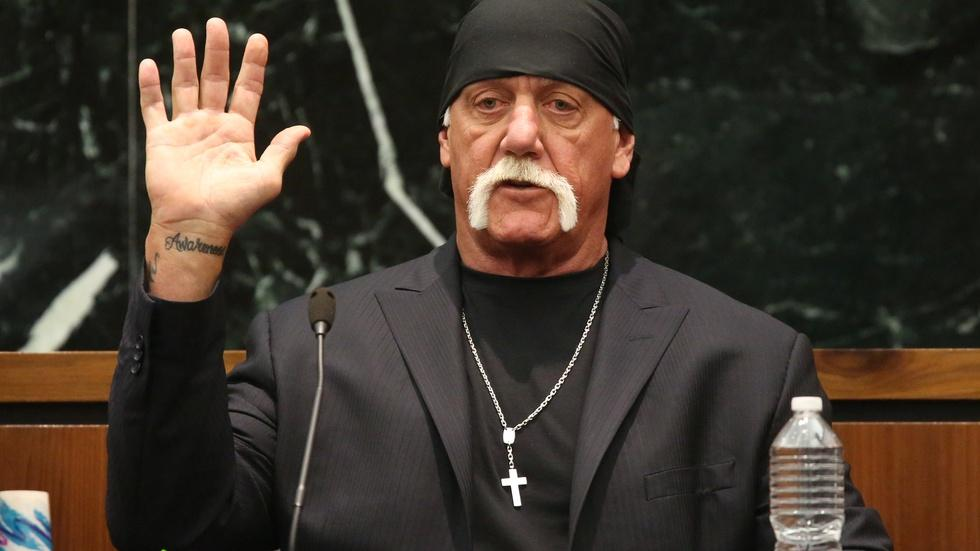 Gawker up for sale after Hulk Hogan suit image