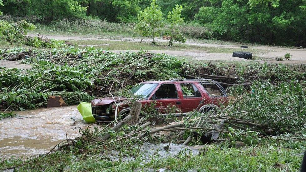 News Wrap: Flood-ravaged West Virginia braces for more rain image