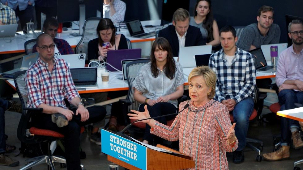 Can Hillary Clinton convince voters that she's trustworthy? image