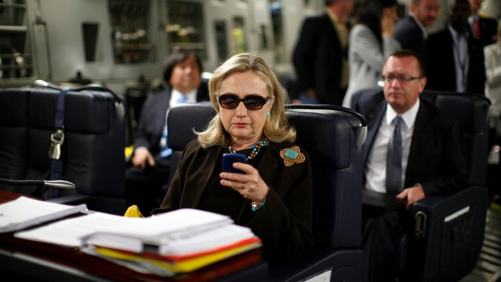 Will Clinton face political consequences for email scandal? image