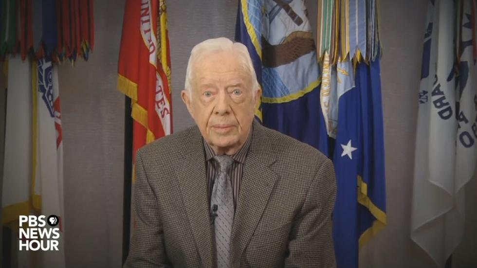 President Jimmy Carter is itching to elect Hillary Clinton image