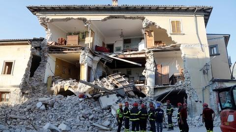 PBS NewsHour -- Italy marks national day of mourning after quake