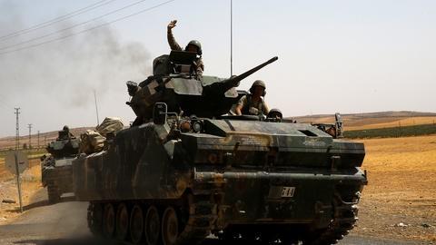 PBS NewsHour -- News Wrap: U.S. tells Turkey to focus on ISIS, not Kurds