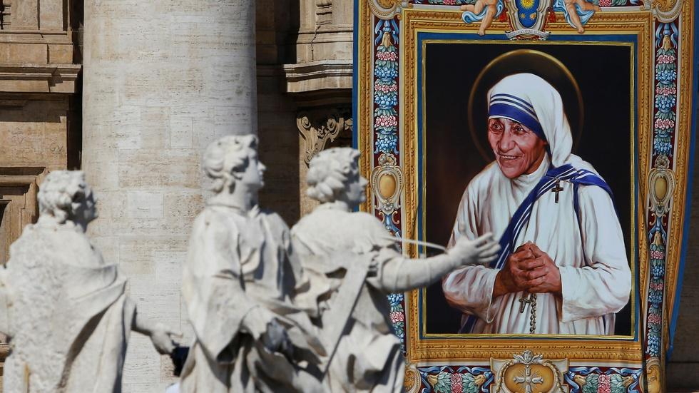 Mother Teresa declared a saint in Vatican ceremony image