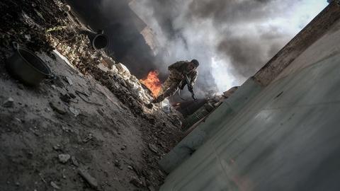 PBS NewsHour -- News Wrap: U.S.-Russia deal on Syria cease-fire fails