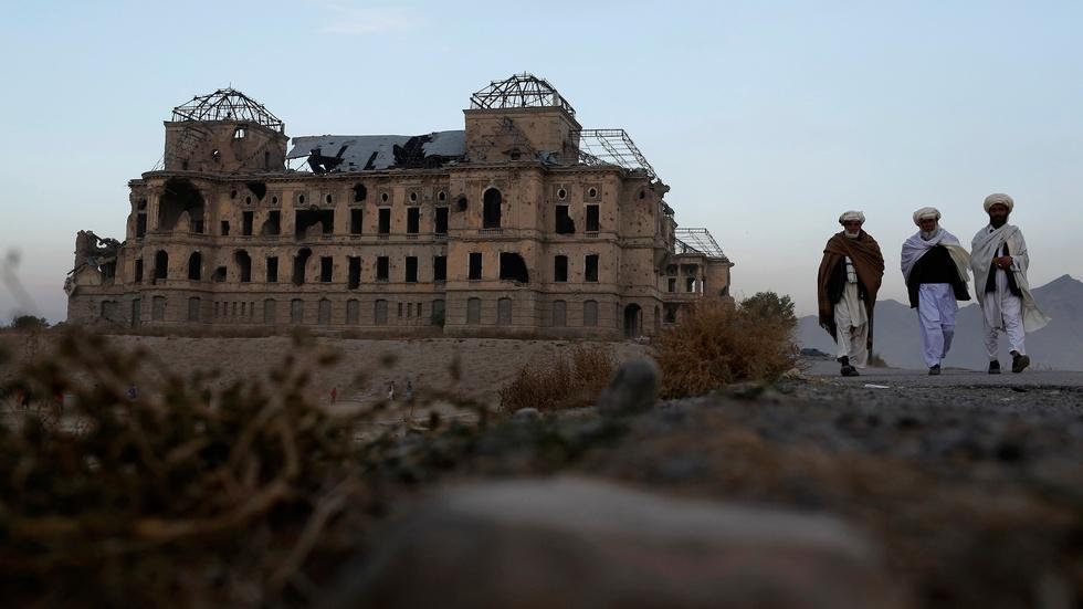Rebuilding a palace, restoring Afghanistan's independence image