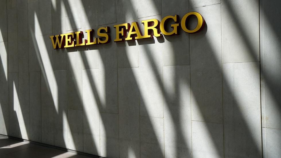 Were Wells Fargo employees under unfair sales pressure? image