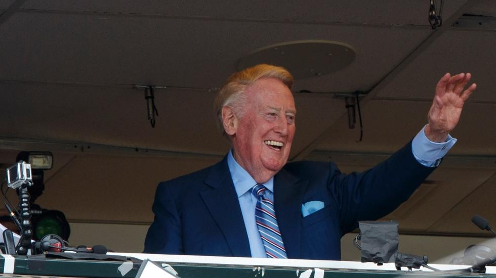 Vin Scully ends his 67-year career as voice of the Dodgers image