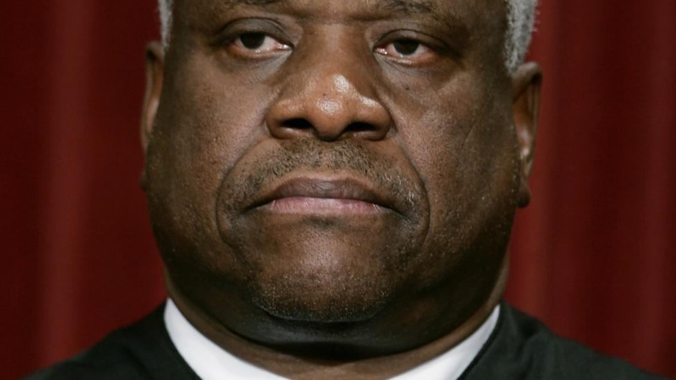 Lawyer claims Justice Thomas sexually assaulted her in 1999 image
