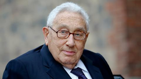PBS NewsHour -- What Henry Kissinger thinks about Obama, Trump and China
