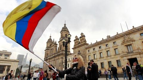 PBS NewsHour -- Amidst violence, Colombia signs new peace deal with FARC