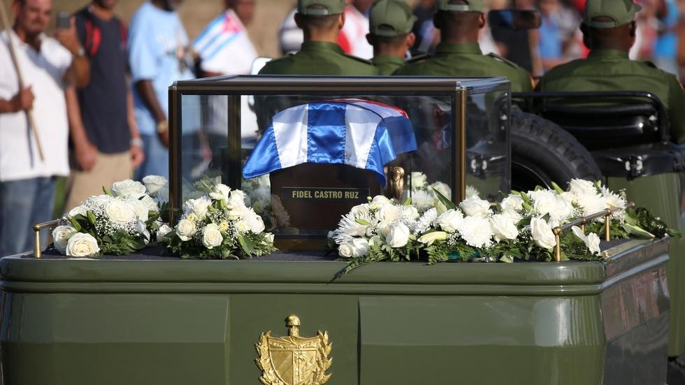 Castro's funeral procession retraces Revolution's route image
