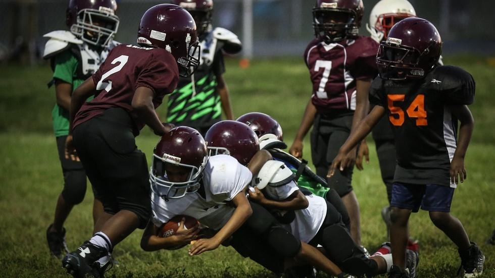 Three reasons little kids shouldn't play football image