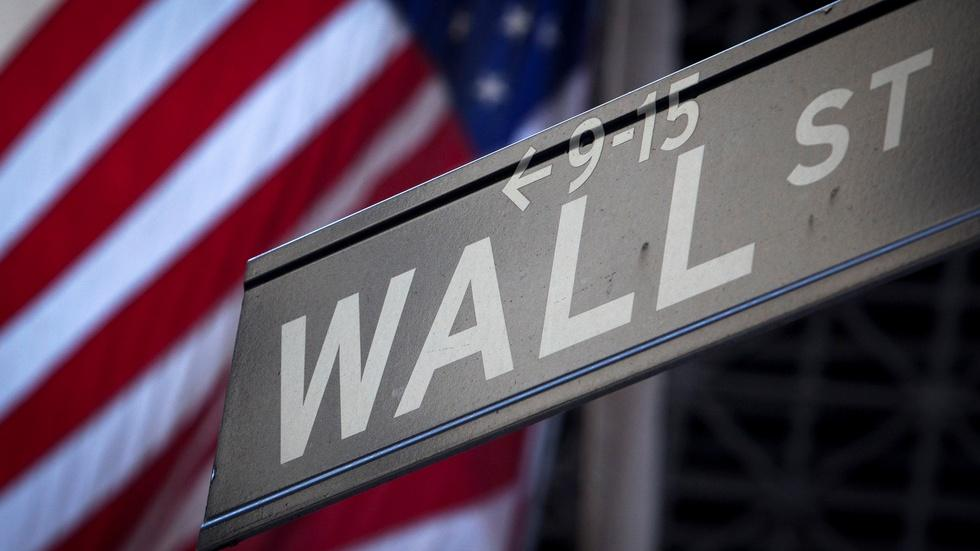 Does a Wall St Cabinet discredit Trump's Main St message? image