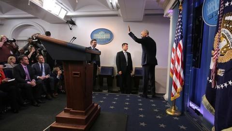 PBS NewsHour -- Obama ties Putin to Russian cyberattacks