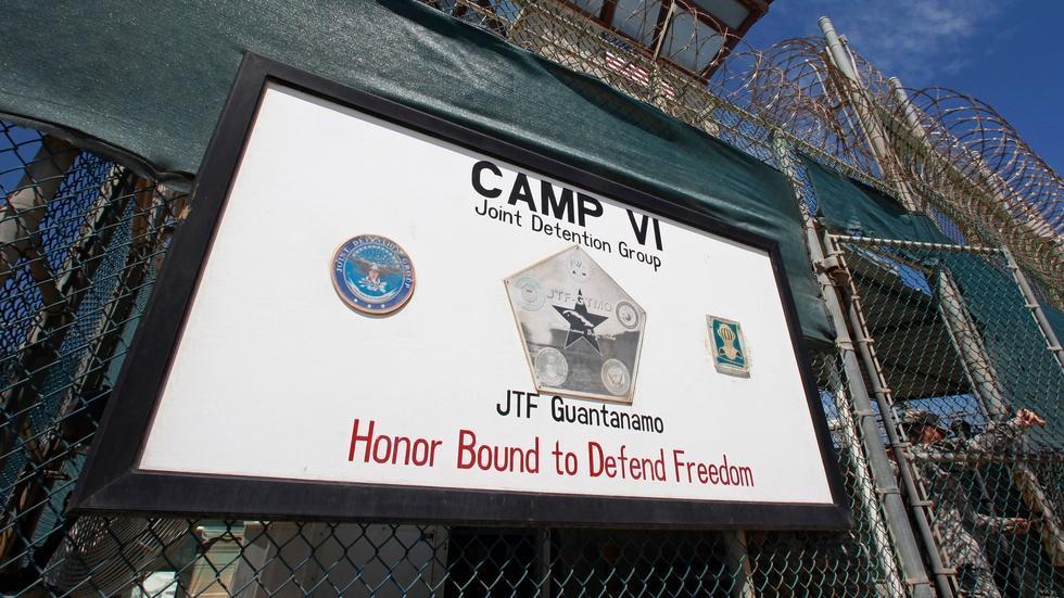 Inside Obama's final push to transfer Guantanamo detainees image