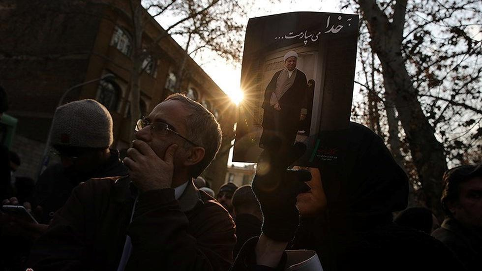 Iran's Rafsanjani played kingmaker, political counterweight image