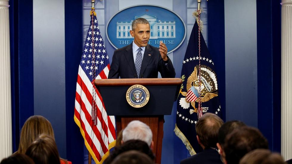 At final White House press conference, Obama looks ahead image