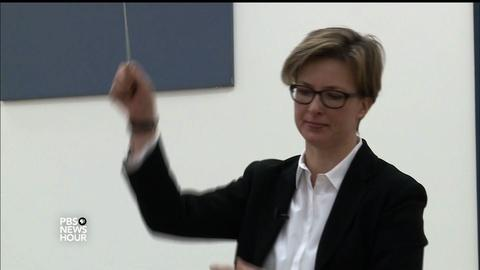 PBS NewsHour -- Bringing women conductors to the front of the orchestra