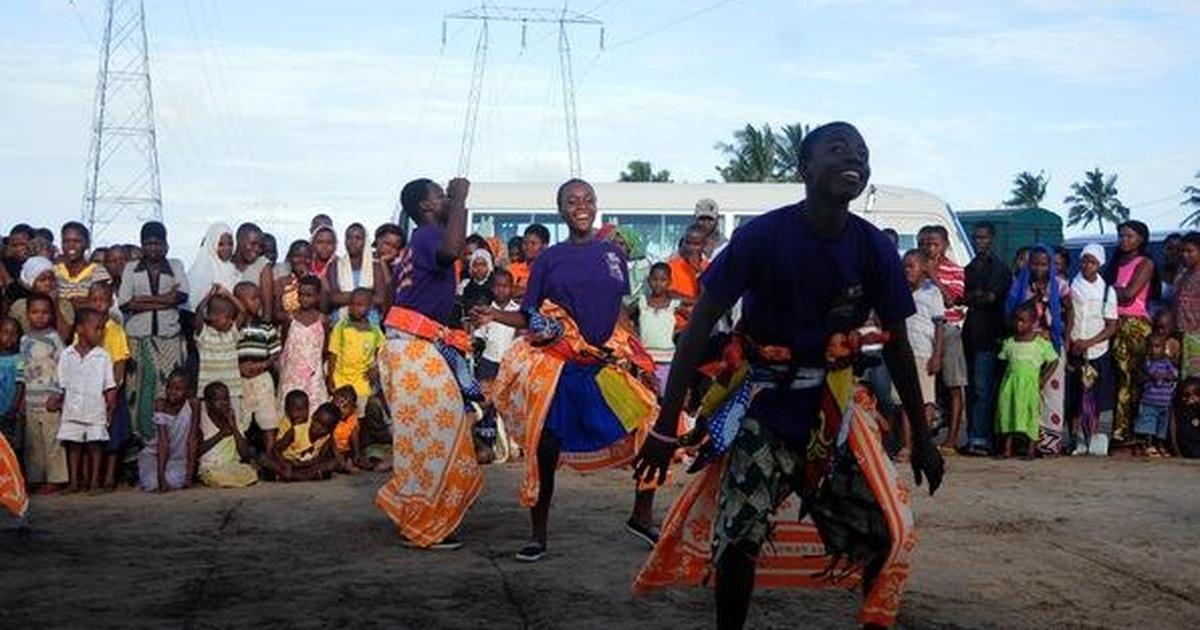 Tanzanian Teen Dances to Educate on HIV | Season 2011