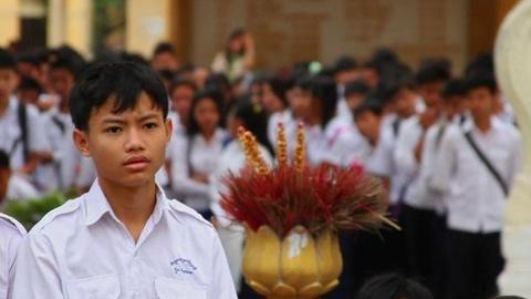 PBS NewsHour -- Cambodia Teaches New Generation About Khmer Rouge Atrocities