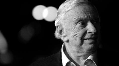 PBS NewsHour -- Gore Vidal Raised the Dust of the Nation in His Writing