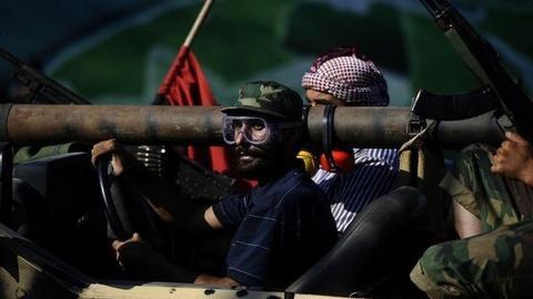 PBS NewsHour -- Hunt for Gadhafi Intensifies, New Battles Rage in Tripoli