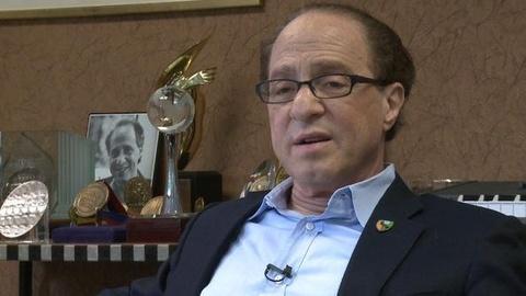 PBS NewsHour -- Ray Kurweil's Immortality Cocktail