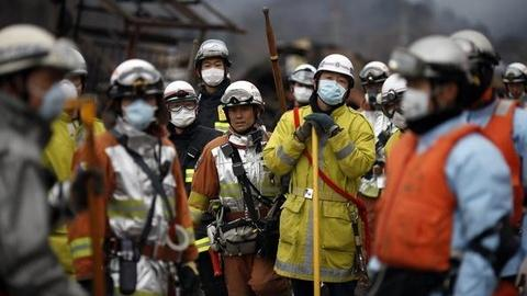 PBS NewsHour -- Japan's Nuclear Crisis: Can It Be Prevented? Who's at Risk?