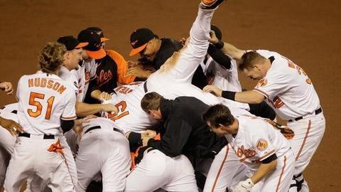 PBS NewsHour -- 'Baseball Gods' Wind Down Regular Season With Dramatic...