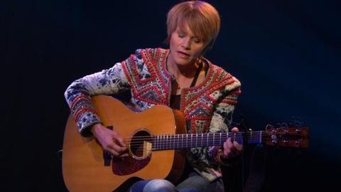 PBS NewsHour -- Shawn Colvin Sings 'Change Is on the Way'