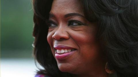PBS NewsHour -- After 25 Years Atop Daytime TV, Oprah Takes Final Bow to...