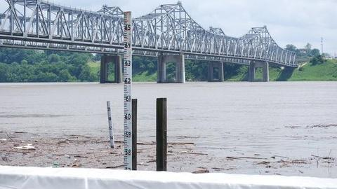 PBS NewsHour -- Miss. River Crests in Memphis, Flood Worries Head Downstream
