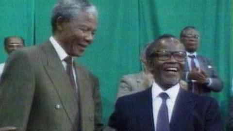 PBS NewsHour -- Reflecting on Change in South Africa and Icon Mandela