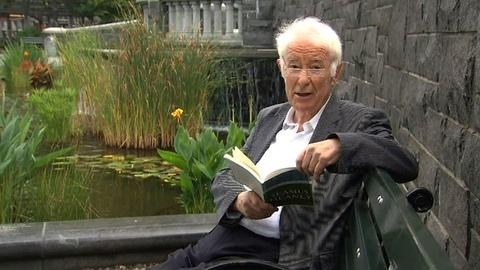 PBS NewsHour -- Poet Seamus Heaney Dug the 'Wideness of Language'