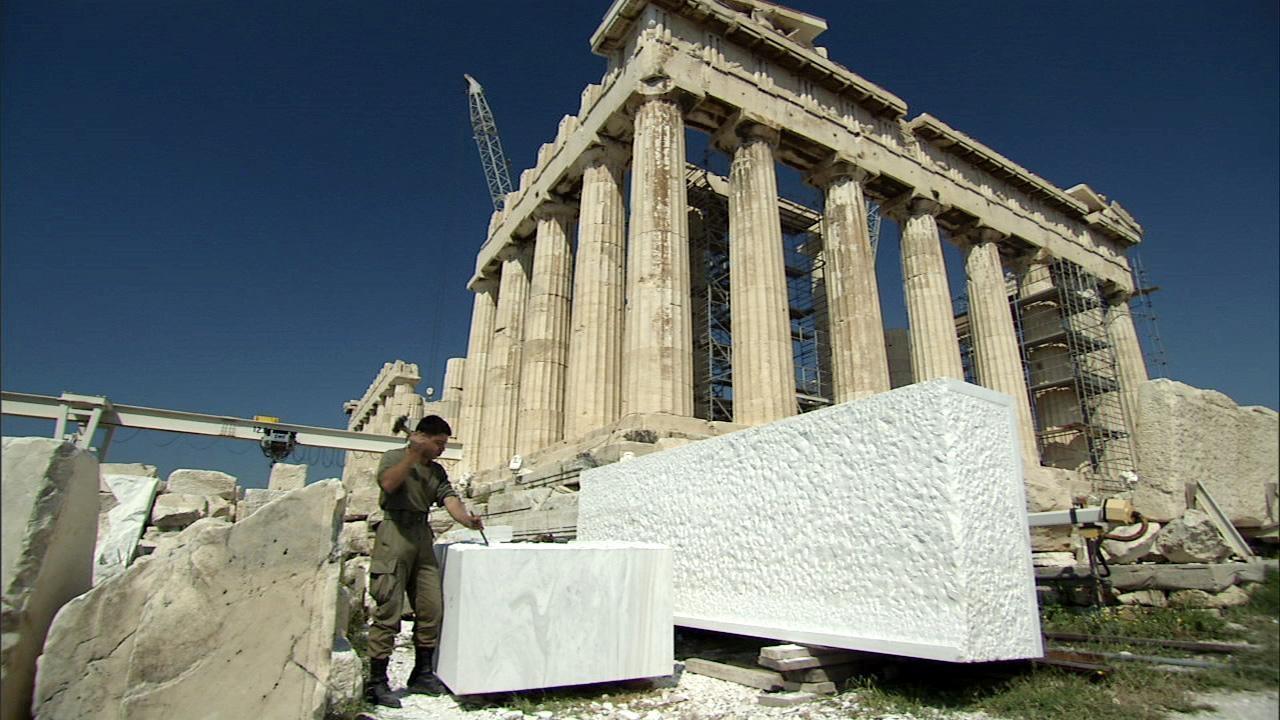 who rebuilt the parthenon