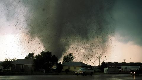 NOVA -- Deadliest Tornadoes