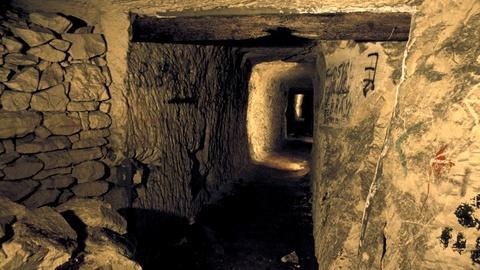 Secret Tunnel Warfare Preview
