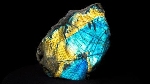 NOVA -- S43 Ep2: The Minerals Behind Modern Life