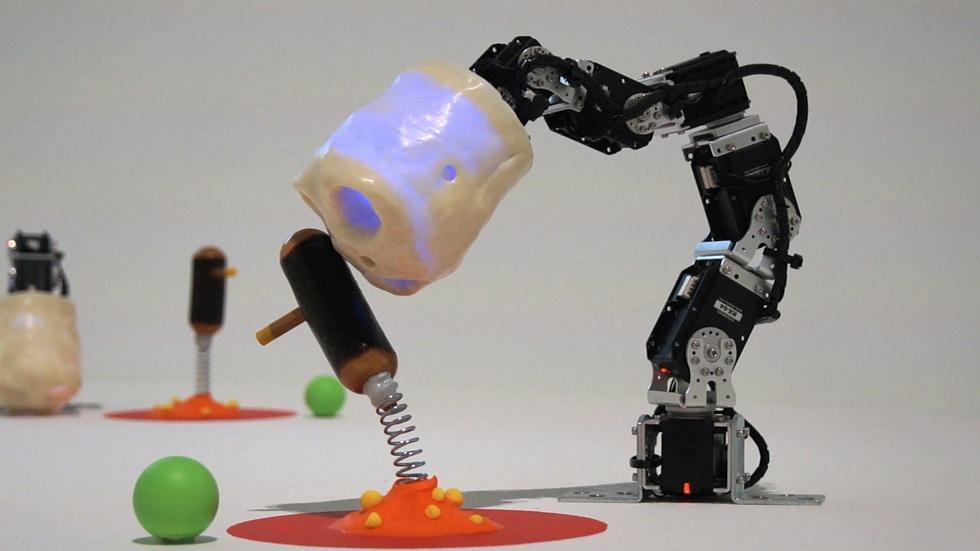 S43 Ep6: David Lynch x Robots = A.I. Art image