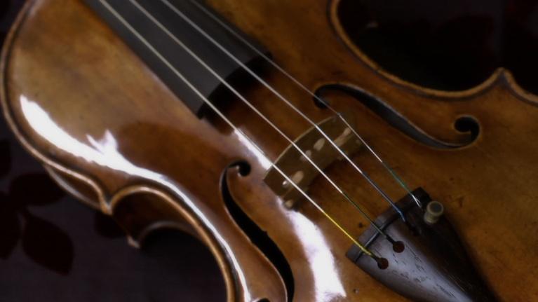 Orchestra of Exiles: The Stolen Stradivarius Violin
