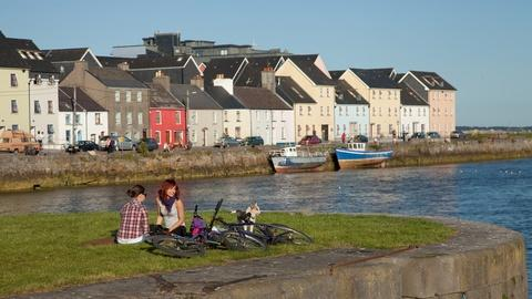 Rick Steves' Europe -- The Best of West Ireland: Dingle, Galway, and the Aran Islan