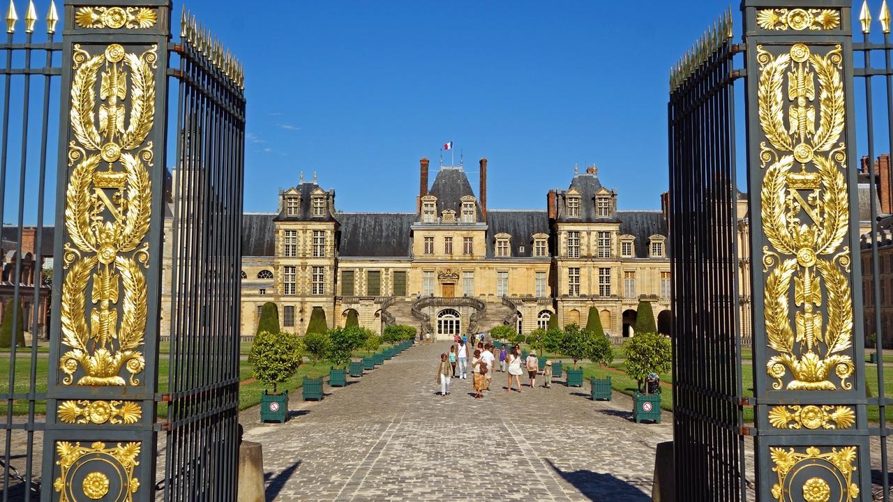 Fontainebleau, France: Royal Château